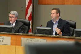 Councilmembers Steve Hansen and Steve Cohn during deliberation on the project.