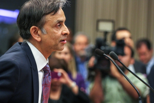 """Vivek Ranadivé, owner of the Sacramento Kings makes the promise, """"This is your City, this is your Team!"""" to City Council."""